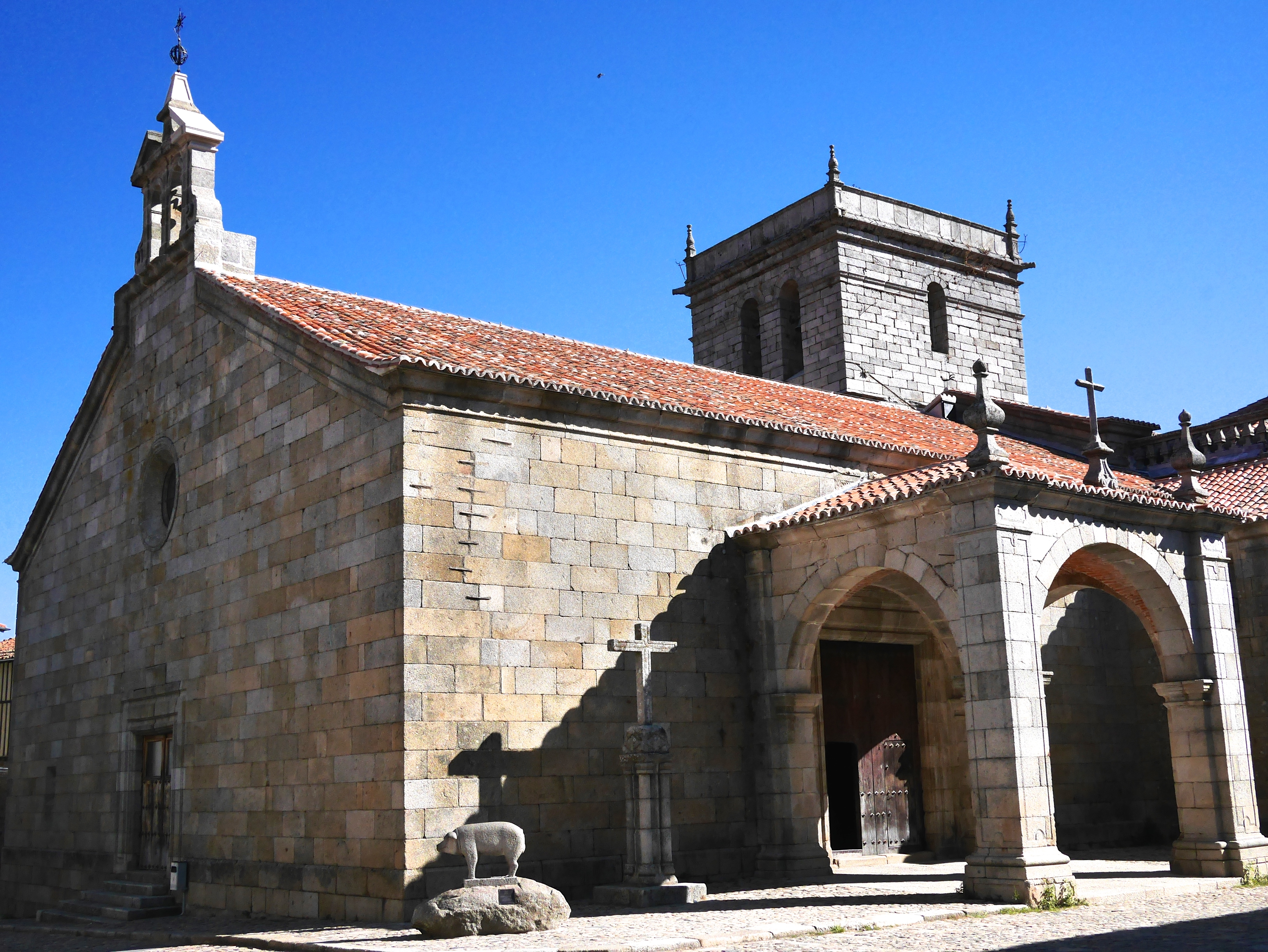 La Alberca cathedral www.thesweetwanderlust.com