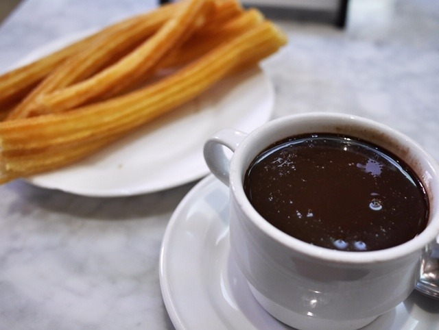 Chocolateria San Gínes churros - the best churros in Madrid