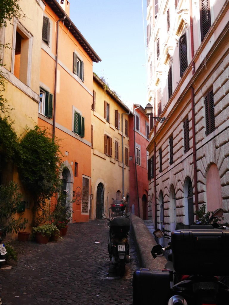 Trastevere neighborhood Rome thesweetwanderlust.com