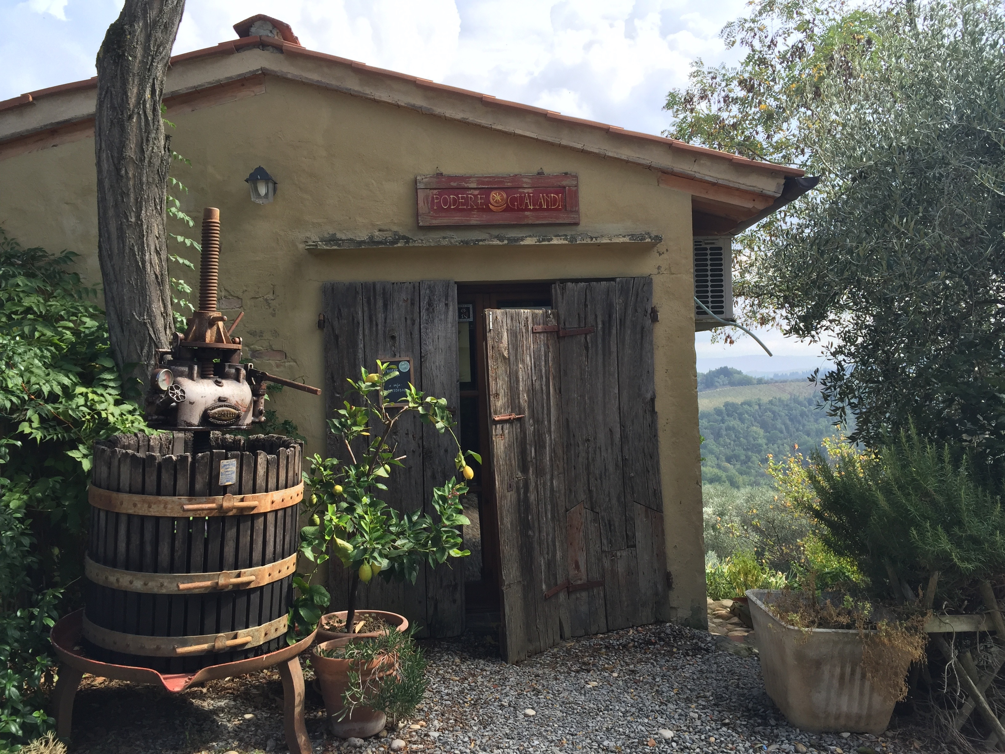 Podere Gualandi shop thesweetwanderlust.com
