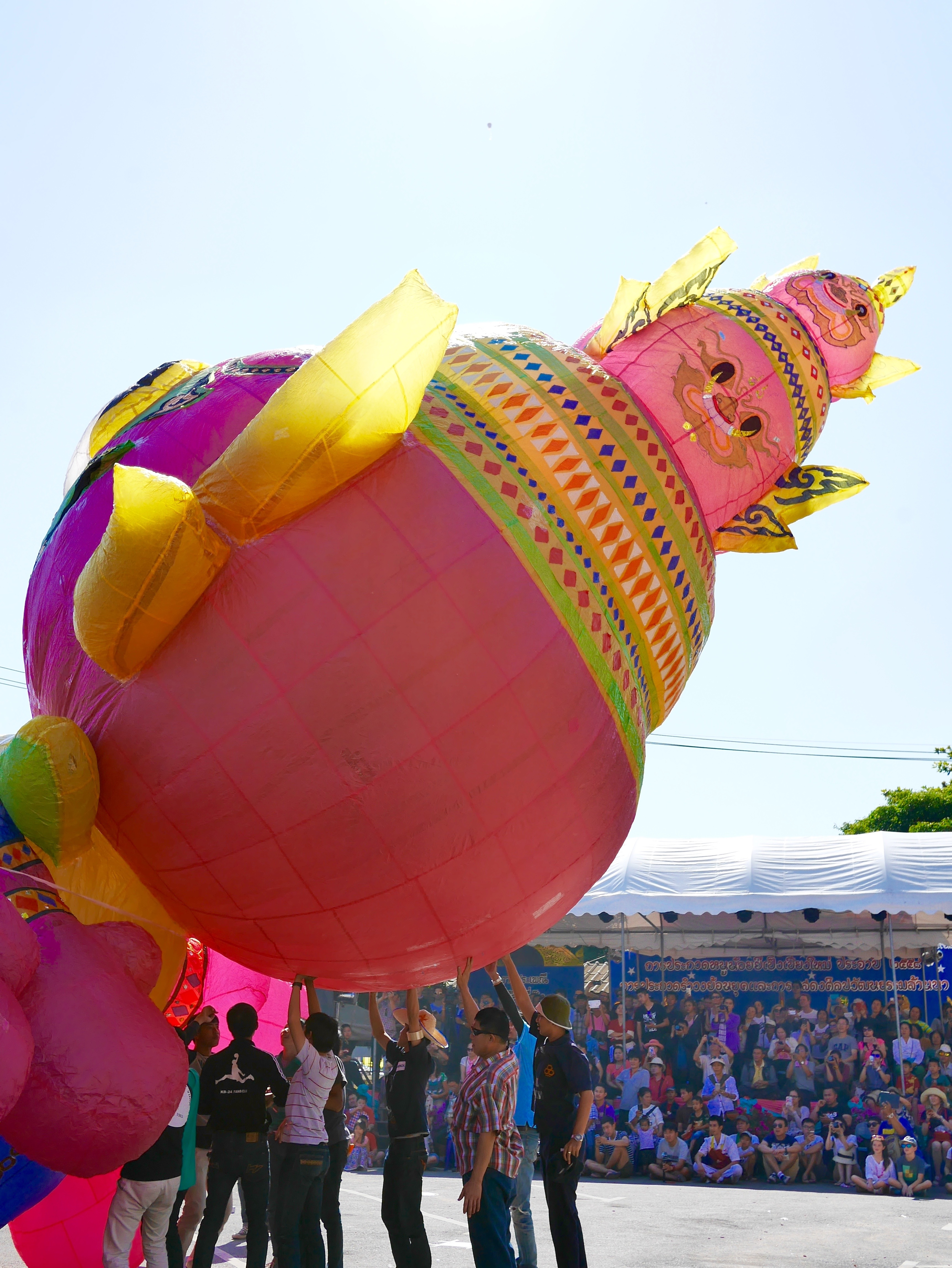 Loy Krathong Fancy hot air balloon launch thesweetwanderlust.com