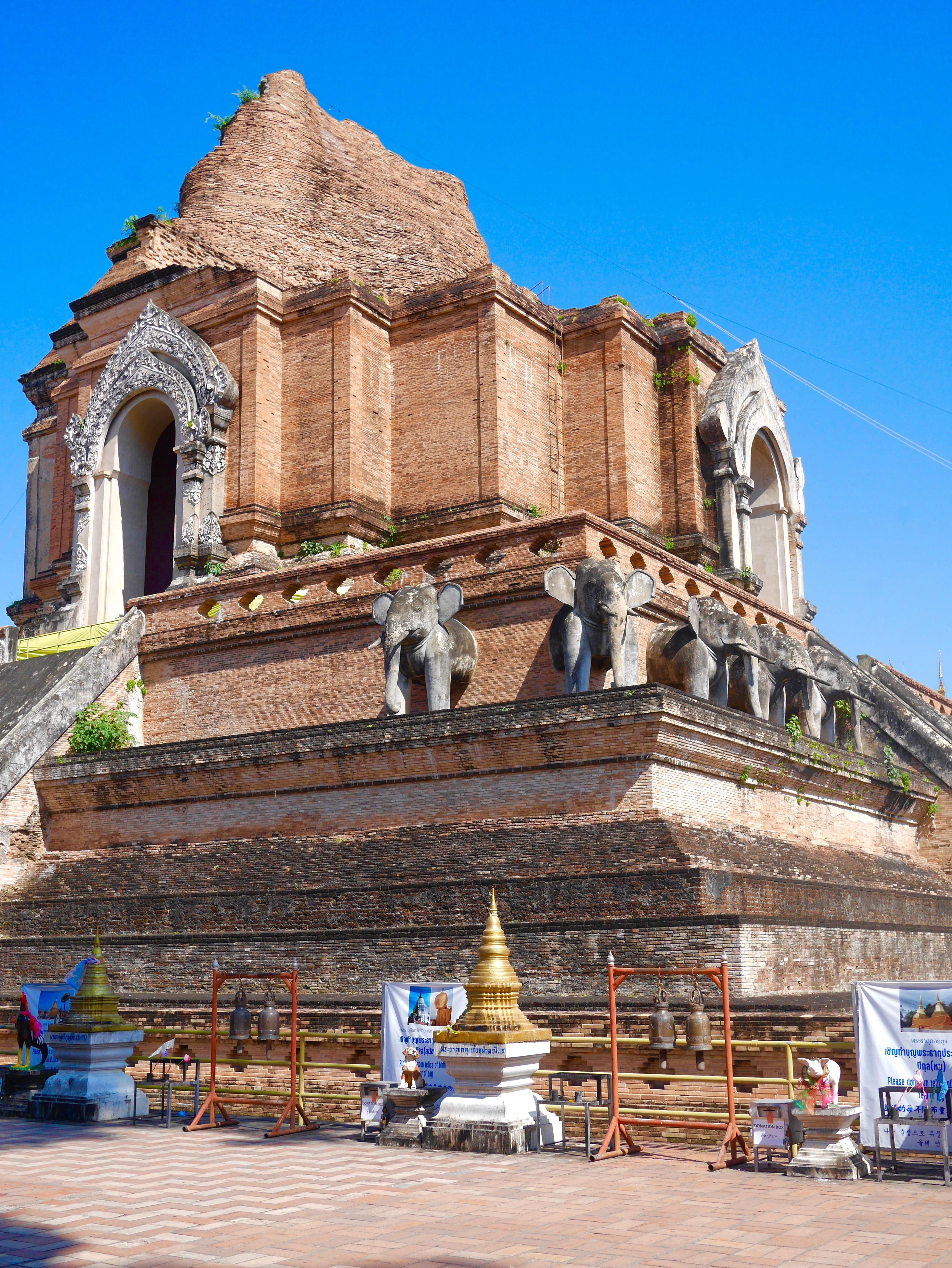 Wat Chedi Luang Chiang Mai thesweetwanderlust.com