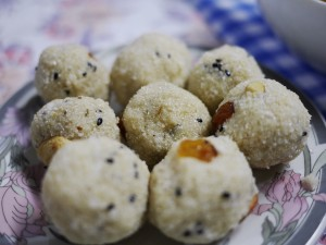 Rava Laddu at Pranavam Homestay thesweetwanderlust.com
