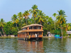 Backwaters of Kerala Rainbow Cruises thesweetwanderlust.com