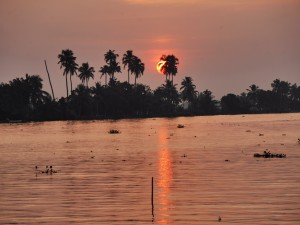 Sunset on the backwaters of Alleppy Kerala India thesweetwanderlust.com