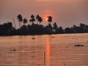 Sunset Kerala India thesweetwanderlust.com