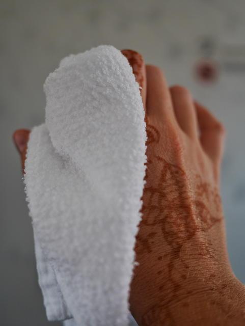 SilkAir business class hot towels thesweetwanderlust.com