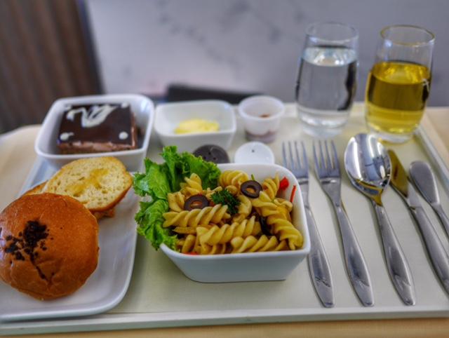SilkAir business class AirbusA320 thesweetwanderlust.com