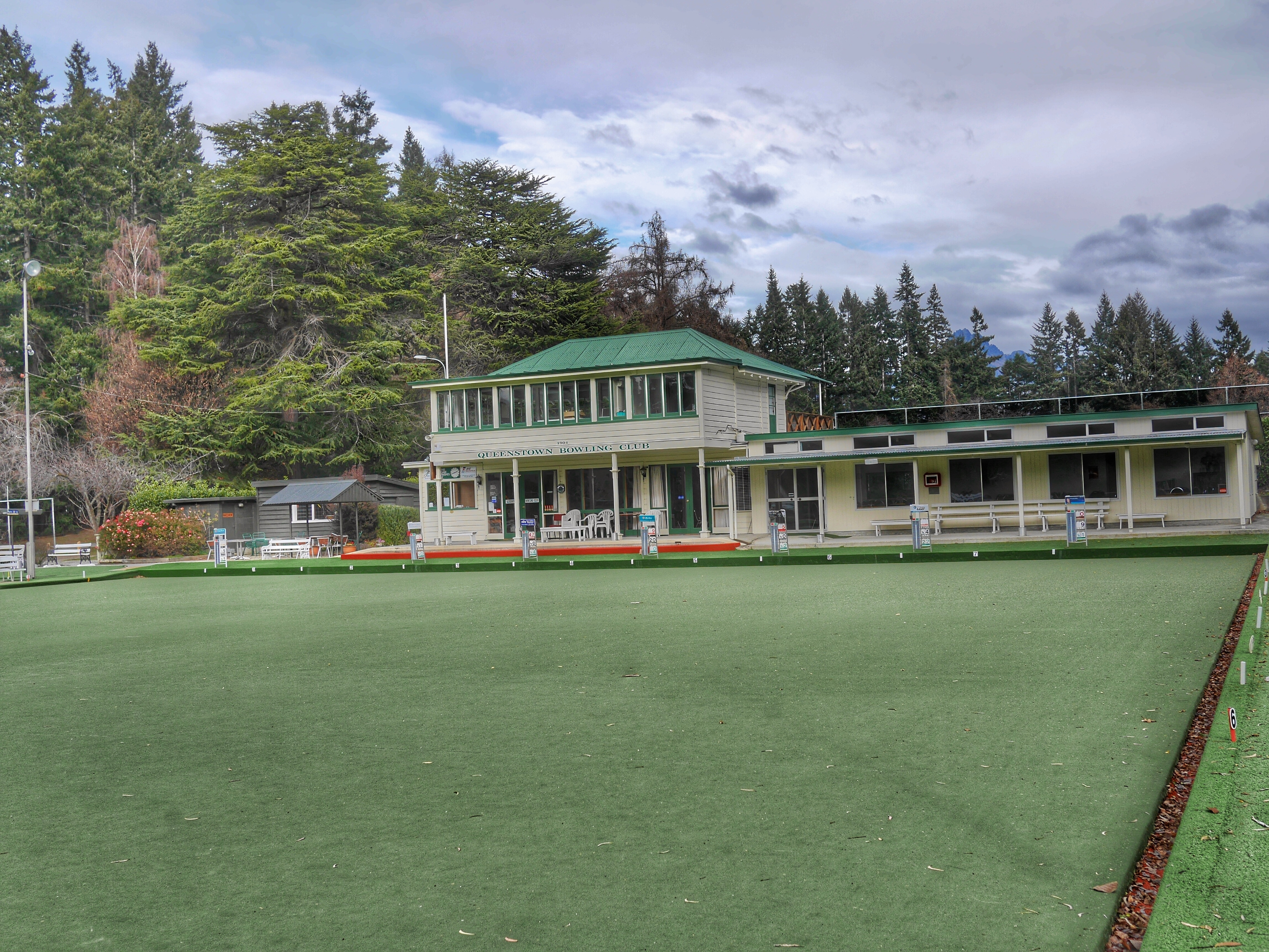 Lawn Bowling in the Queenstown Botanical Gardens thesweetwanderlust.com