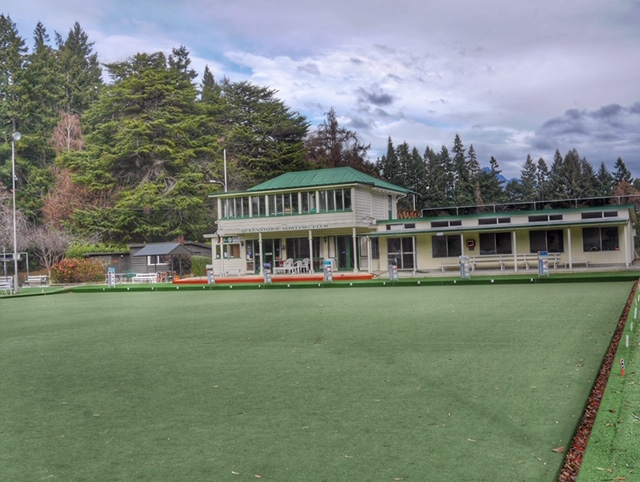 Lawn bowling in Queenstown