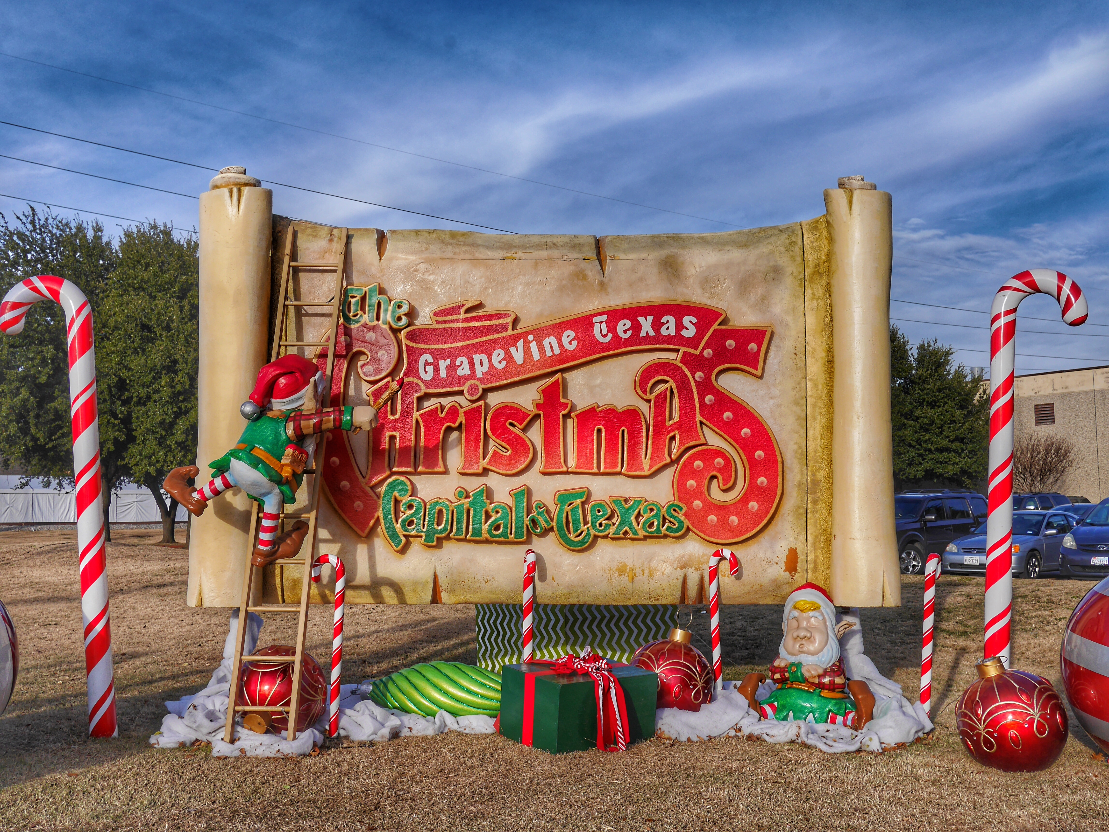 Grapevine- The Christmas Capital of Texas thesweetwanderlust.com