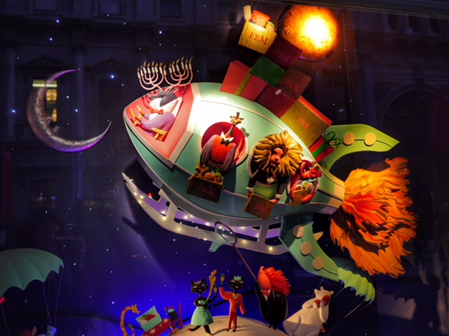 Fortnum and Mason 2017 Christmas Window aminals on a blimp