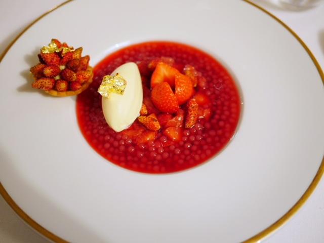 La Bastide Saint-Antoine Jacques Chibois strawberry soup