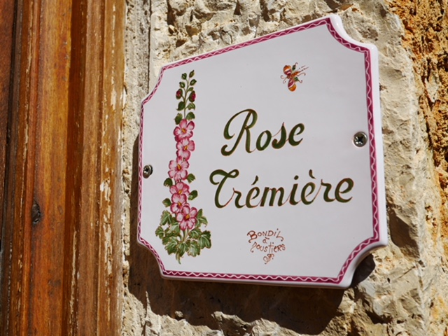 La Bastide de Moustiers Rose Room entrance