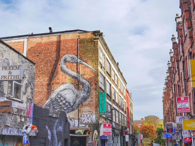 Shoreditch Crane by Roa