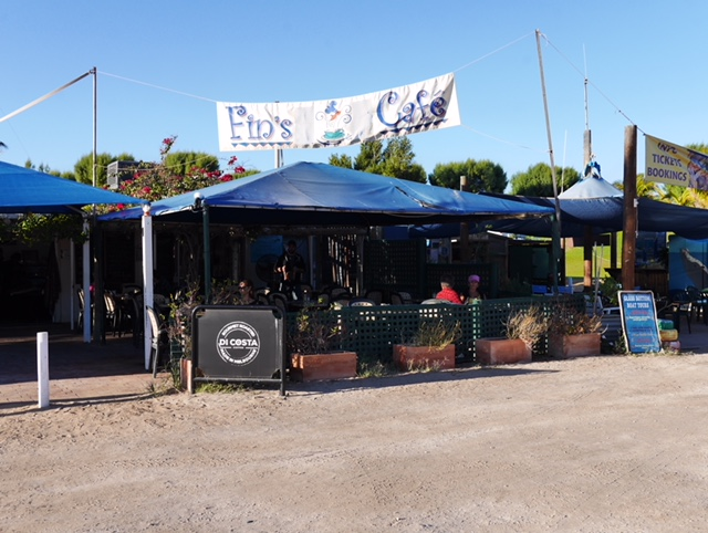 Fin's in Coral Bay