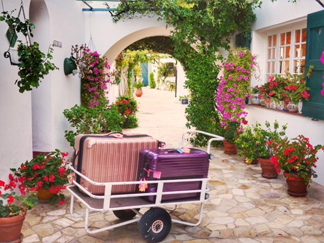 Hotel Le Hameau luggage cart