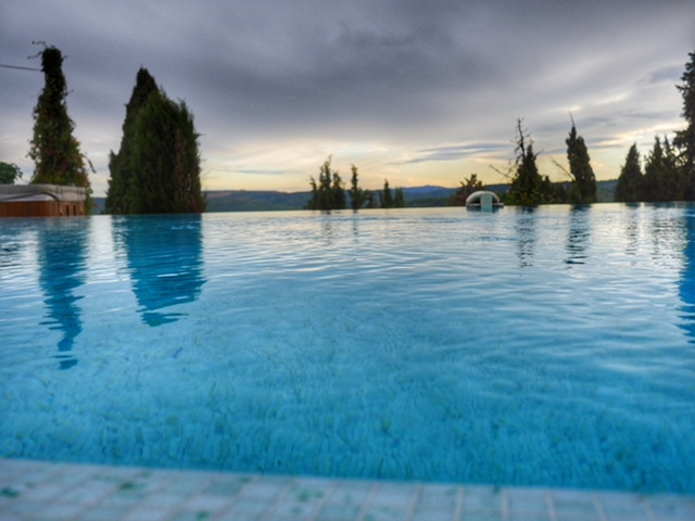 St. Paul de Vence Hotel Le Hameau infinity pool