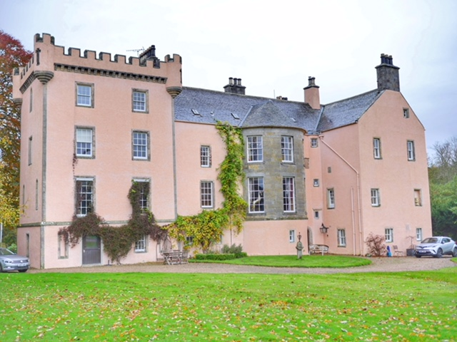 The best castle accommodation in Scotland – Castle of Park
