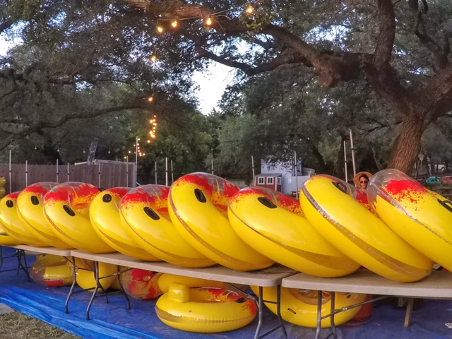 Jaws on the Water Austin inner tubes with cupholders