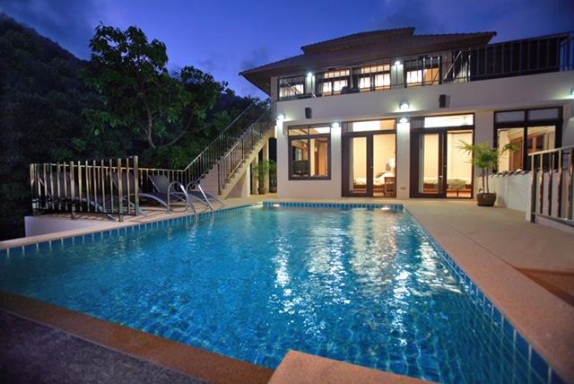 Tranquil Villa pool