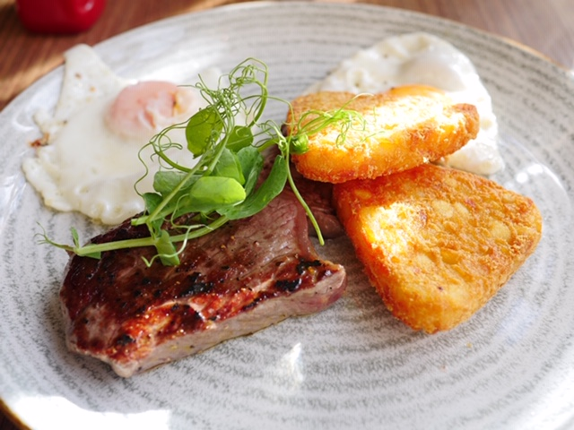 Welsh steak and eggs at Beddgelert restaurant -Hebog