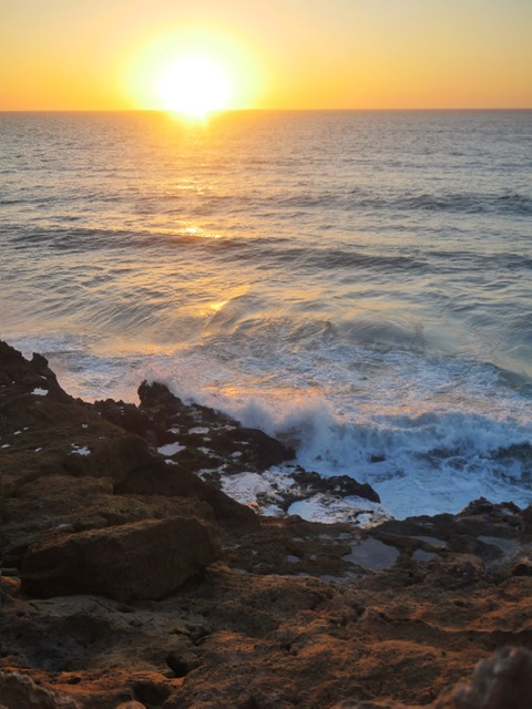Azrac Surf and Yoga Retreat Morocco sunset from Devil's Rock