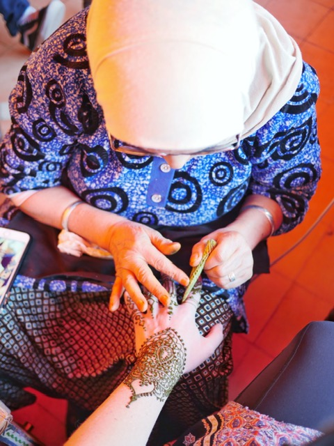 Henna Cafe - charitable project for Moroccan education - safe and natural henna in Marrakech
